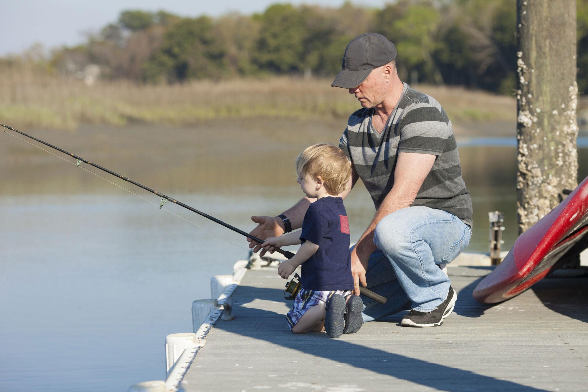 dad boy fishing